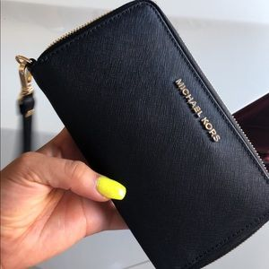 Black Michael kors wallet/wristlet
